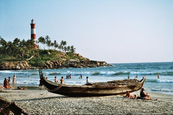 kovalam_Lighthouse_Beach.jpg